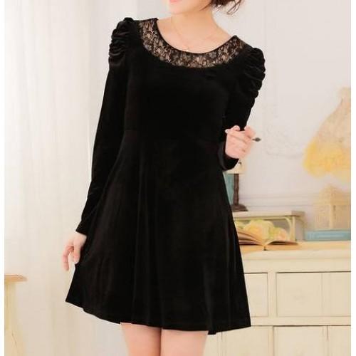 dantel yakalı omuz detaylı bol etekli mini kadife elbise