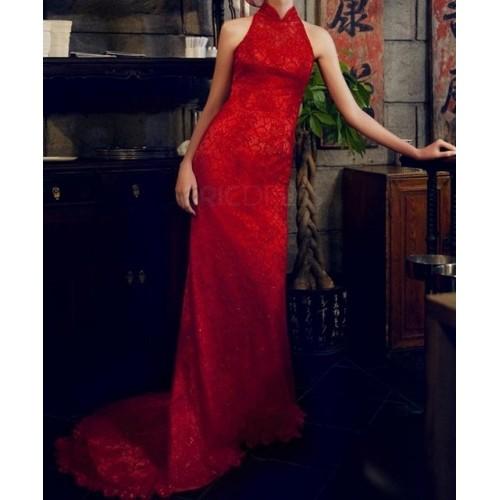 dik yaka kolsuz kuyruklu uzun dantel elbise