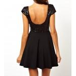 payetli sırt ve göğüs dekolte düşük kol bol etekli abiye mini elbise