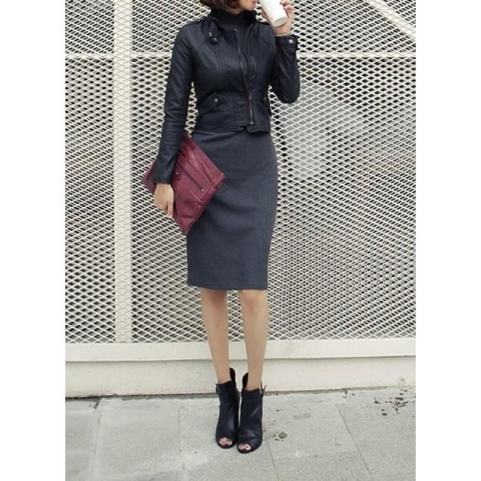 boğazlı dik yaka kalem etekli elbise