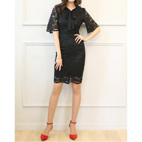 kısa çan kollu fularlı mini dantel elbise