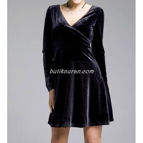 kloş etekli kruvaze kadife elbise