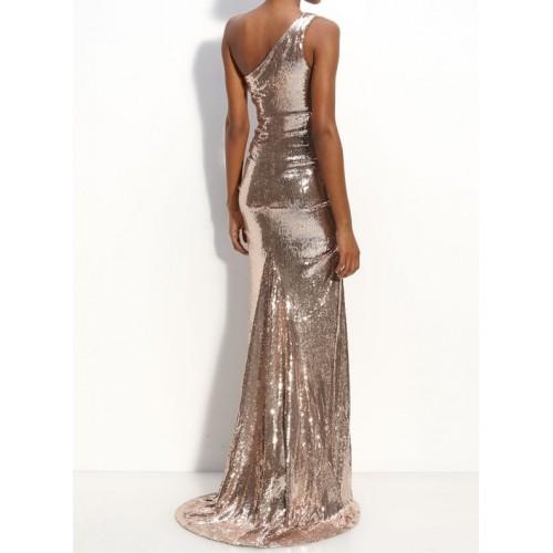 tek omuz hafif kuyruklu payetli elbise
